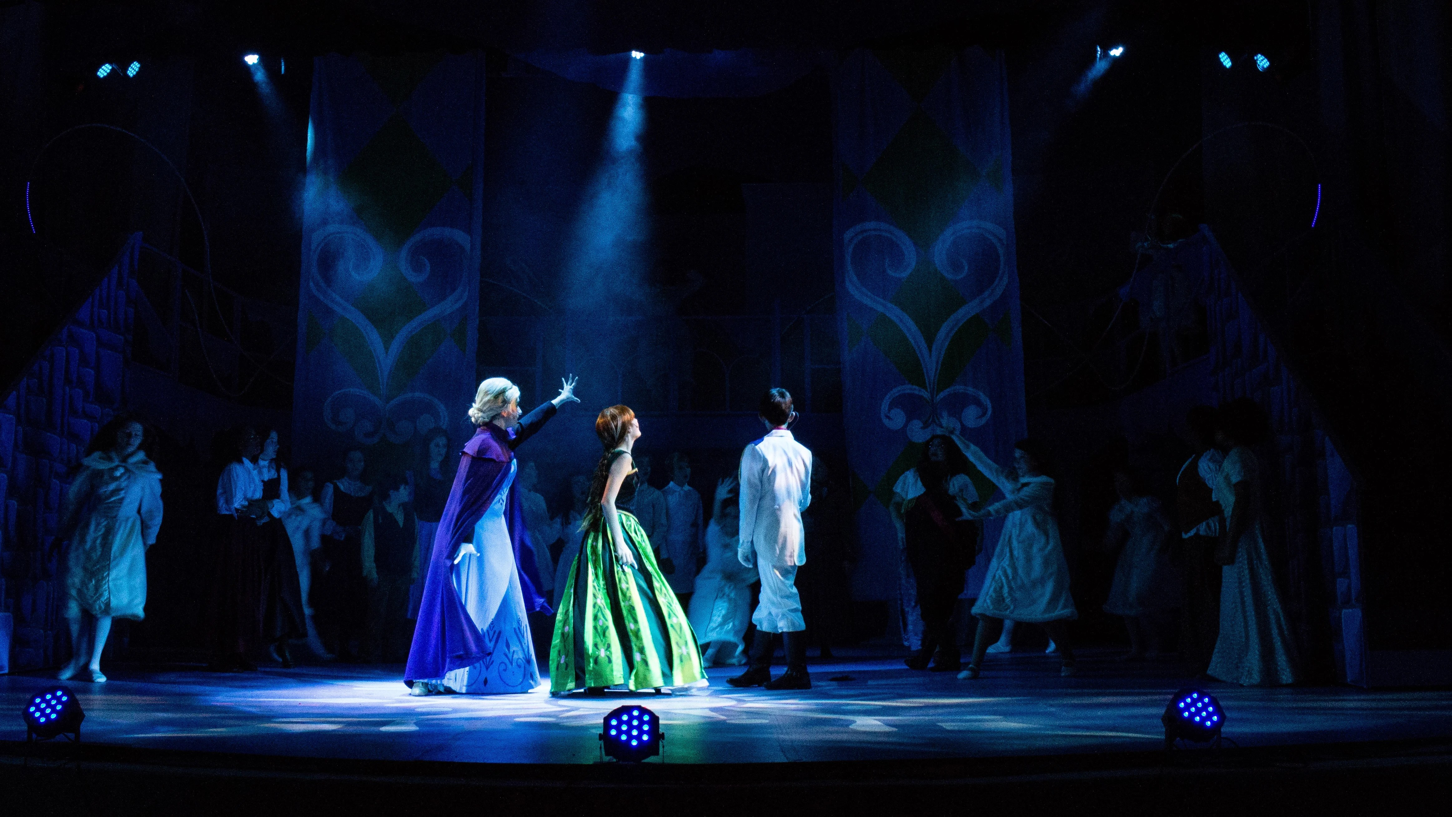 discuss solutions and offer training for theatrical lighting