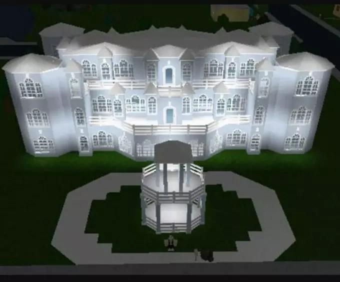 Build People Bloxburg Mansions By Briannais11