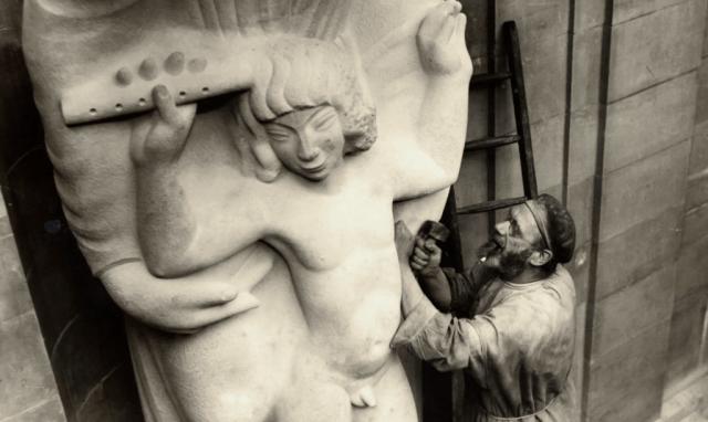 Artist Eric Gill (Photo: BBC/Corbis)
