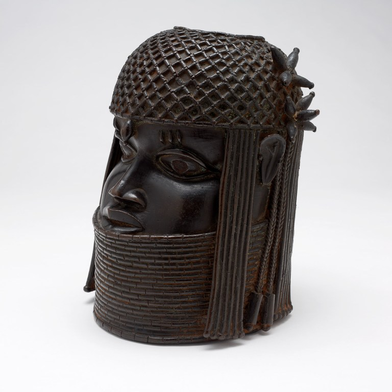 """One Museum's Complicated Attempt to Repatriate a """"Benin Bronze"""""""
