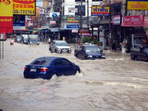 Tropical-storm-floods-Pattaya