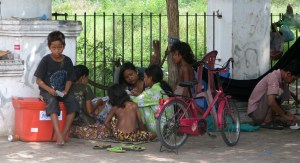 Extreme-poverty-Phnom-Penh