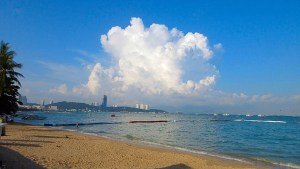 Beautiful-cloud-Pattaya-beach-bikini-Thailand