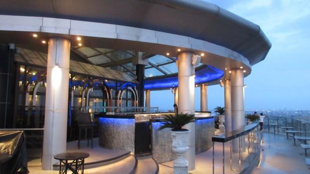 Cielo-Sky Bar-Sukhumvit-Bangkok-Thailand-city-view-restaurant