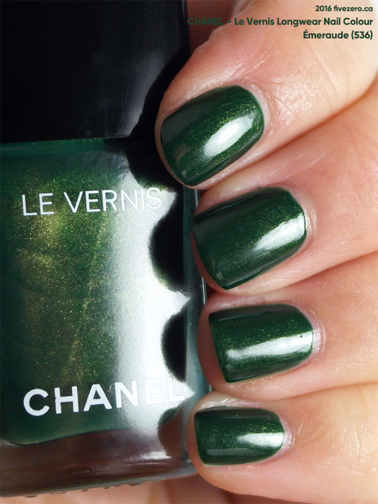 Chanel Le Vernis Longwear Nail Colour in Émeraude (536), swatch