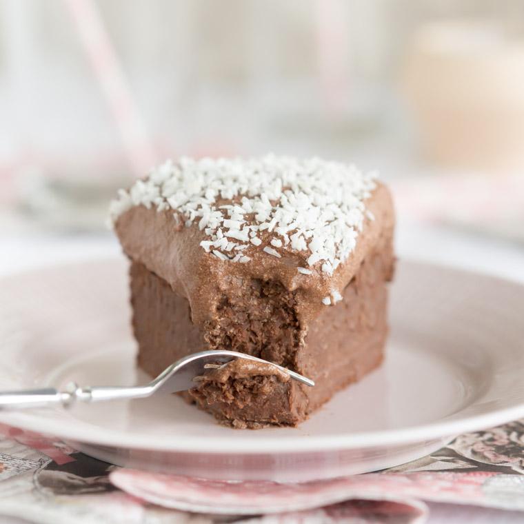 saftig-chokladkaka-med-chokladbollssmet-av-anna-winer-04-jpg.jpg