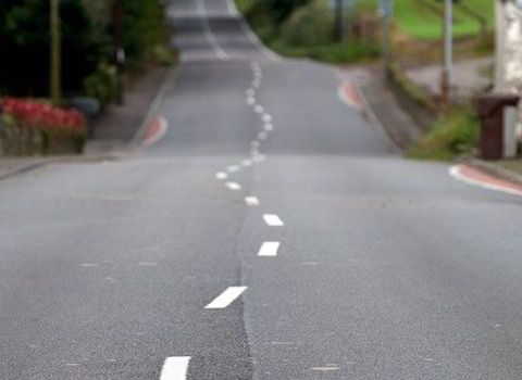 wobbly-road-lines-marks-439202