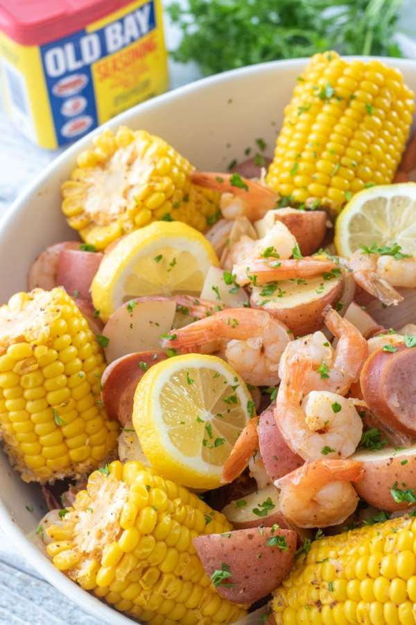 Easy stovetop low country shrimp boil with corn, potatoes, shrimp and sausage.
