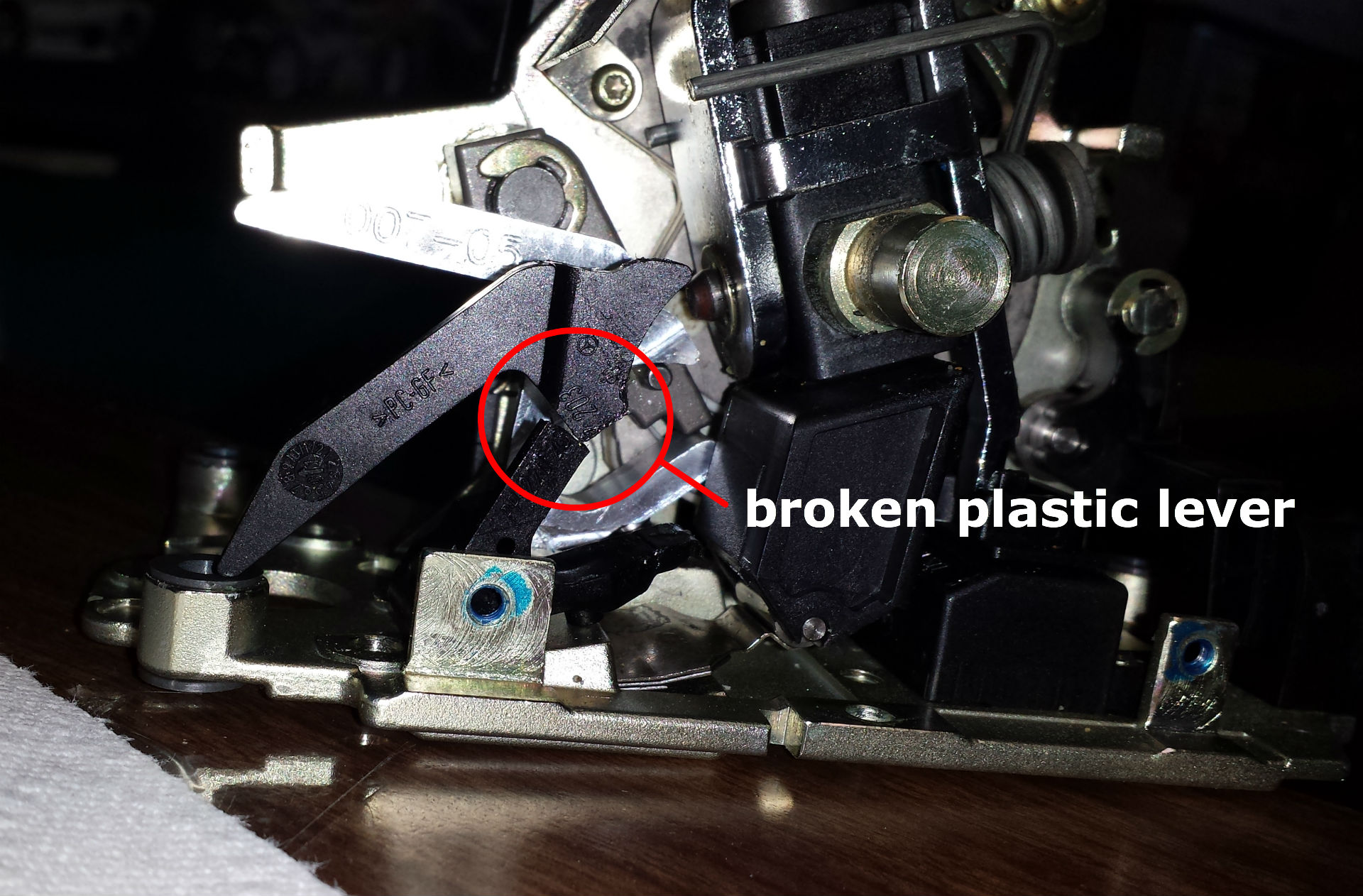 Mercedes benz shifter stuck broken lever?fit=1920%2C1262&ssl=1 mercedes benz shifter stuck in park or won't move fixeuro  at fashall.co