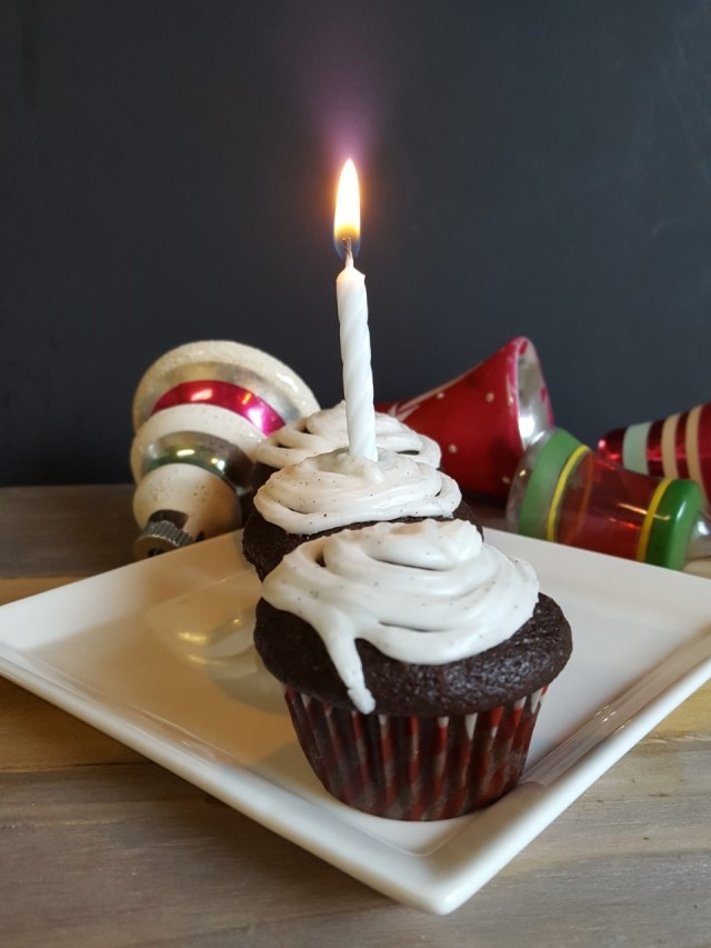blogiversary-cakes-with-candle-and-ornaments