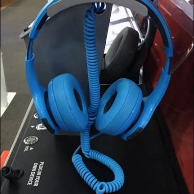 Best But Headphone Display by JBL 3