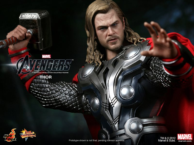 THE AVENGERS - Hot Toys THOR Collectible Action Figure