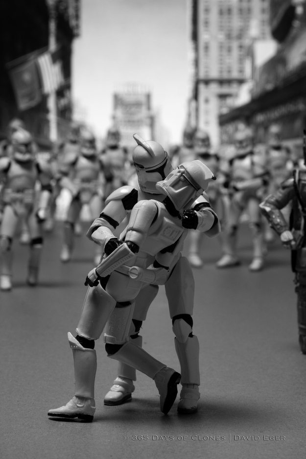 star troopers in iconic photos (5)
