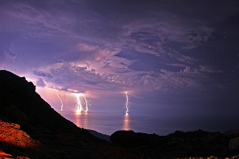 Stunning Lightning Strikes (4)