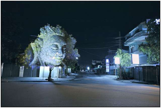 Haunting 3D Projections (1)
