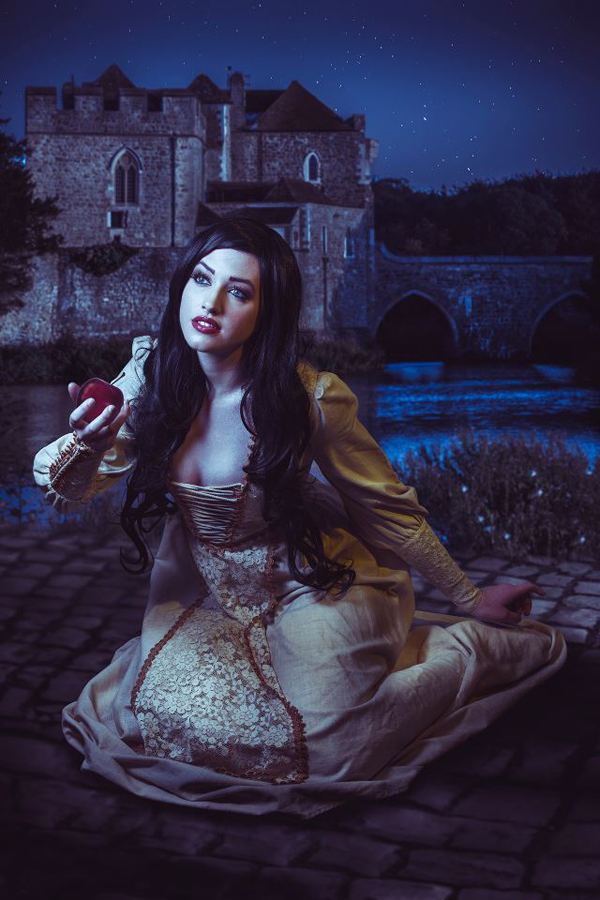 snow white cosplays 2013