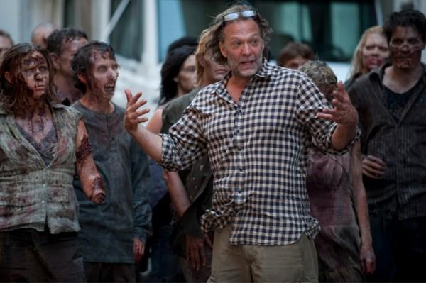 THE WALKING DEAD Season 4 - First Behind the Scenes Look