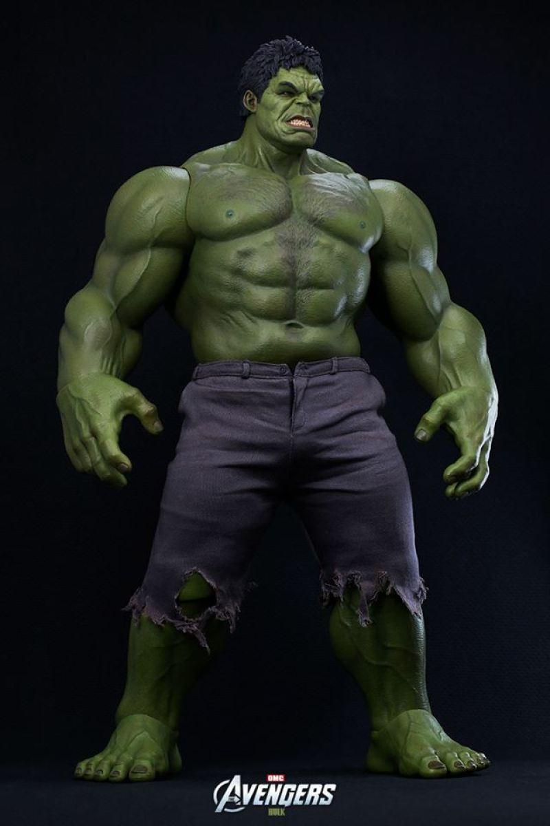 Hot Toys Hulk Figure