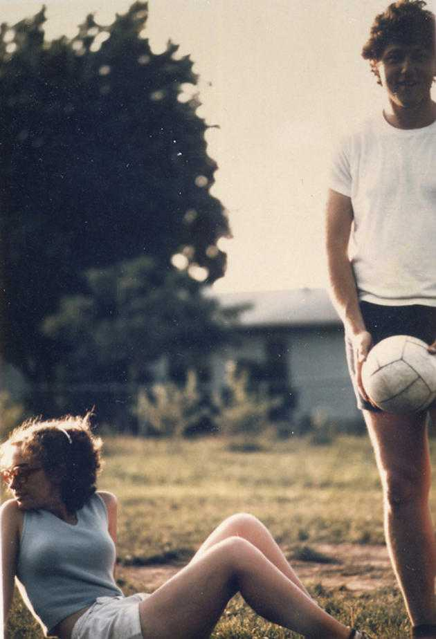 Bill and Hillary Clinton playing volleyball in 1975.