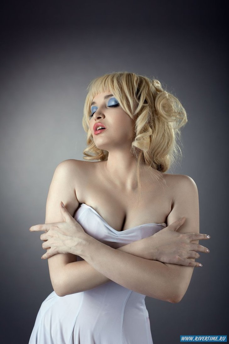 HOLLI WOULD Cool World Cosplay