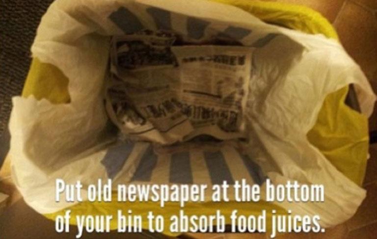 put-newspaper-at-bottom-of-garbage-to-soak-up-liquids-life-hack