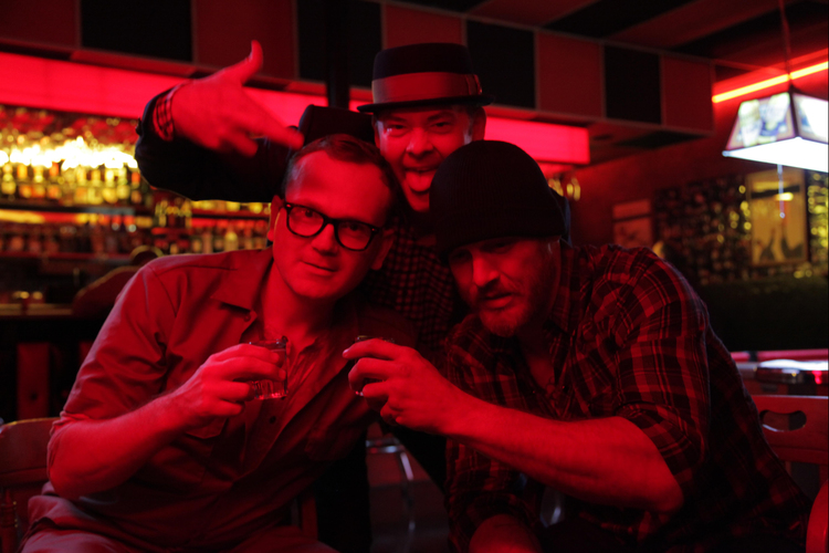 Messed Up Red-Band Trailer for Cheap Thrills