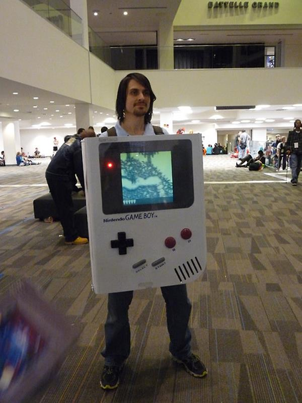 A Playable Gameboy Cosplay