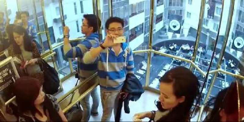 The Most Hilarious Elevator EVER!