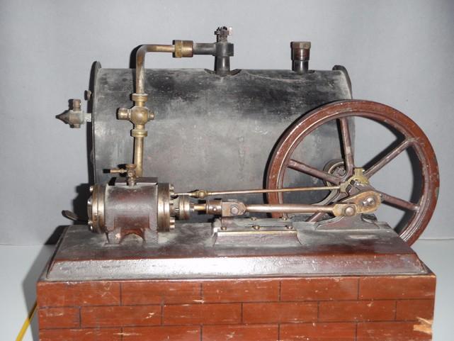 Slika 10. Model parnega stroja.