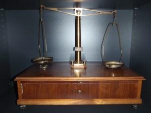 Slika 8. Stara tehtnica za potrebe eksperimentalnega pouka.