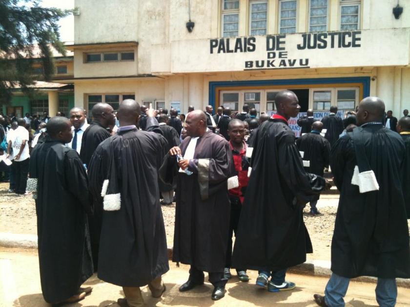 Sud-Kivu -RDC : 25 miliciens Maï-Maï Yakutumba condamnés à des peines allant de 10 à 8 ans de prison