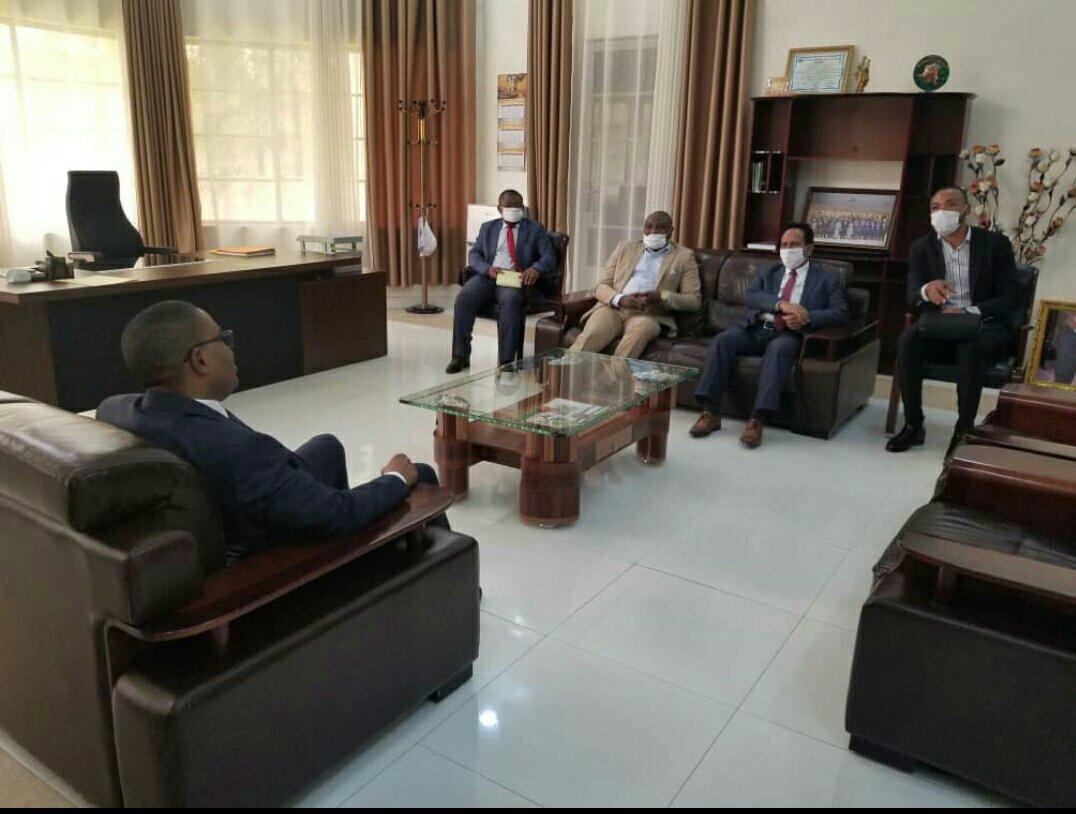 Sud-kivu: entrevue entre le gouverneur Théo Kasi et un consortuim d'entreprises
