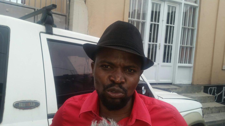 ©Ph Enoch David, Me Jimmy Nzialy lors de son interview à VBR-FM à Goma.