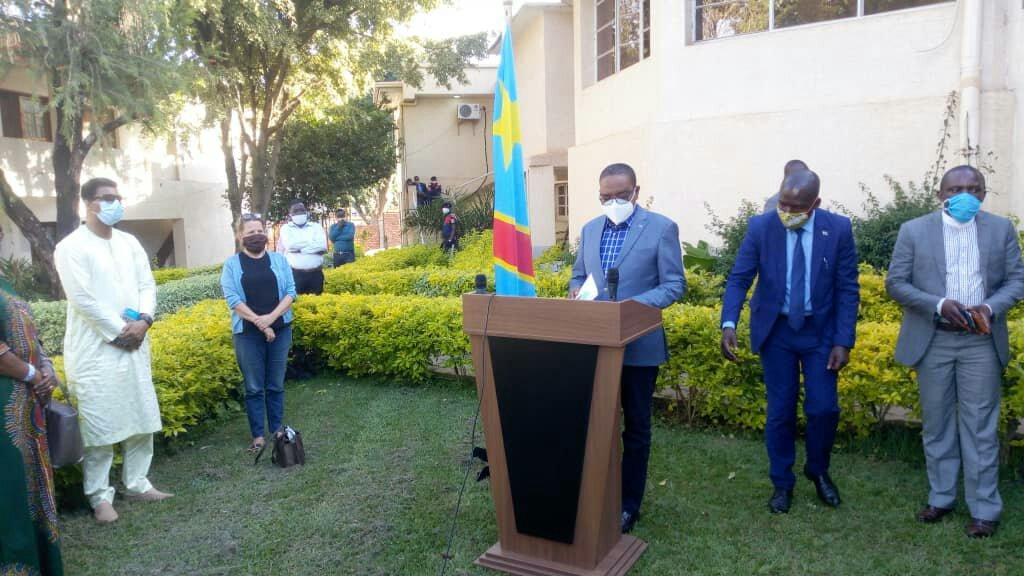 Sud-kivu: le Gouverneur Théo Kasi présente ses condolénces aux familles victimes des catastrophes naturelles à Uvira
