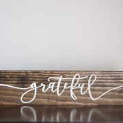 wooden-farmhouse-sign-grateful