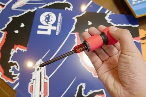プラスドライバー1本のみ 自宅ゲーセン化は男のロマン! 組み立てて遊ぶタイトー「ARCADE1UP」レビュー - 価格.comマガジン から引用