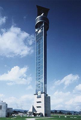 クロスランドタワー(118m 富山県小矢部市) 全日本タワー協議会HPから引用