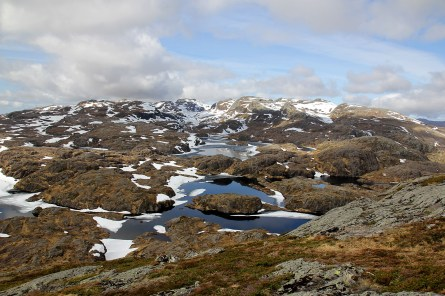 View towards Portafjellet and Vardeheia