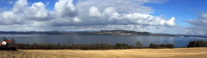 Along Mjøsa. View towards Helgøya