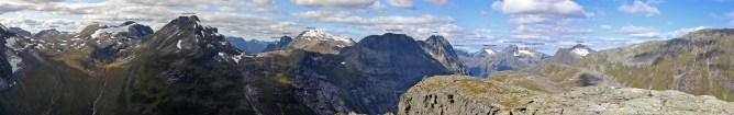 Summit panorama (2/3)