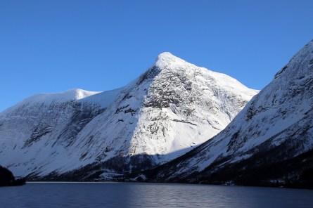 Sygnesandnipa, Kjøsnesfjorden