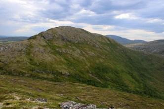 Looking back on Vardskarfjellet