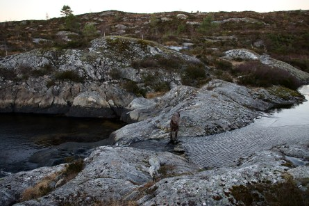 Crossing the drain from Aursnesvatnet