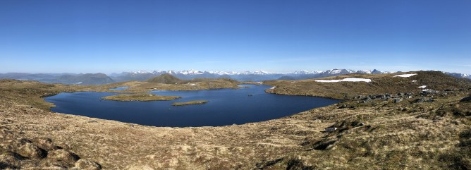 Lake Holmevatnet