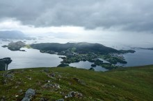 Dimnøya view