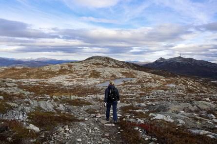 Descending from Dueskardhøgdi