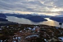 Descending from Helgehornet