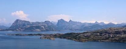 Mainland peaks with Blokktinden in center
