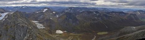 The peaks surrounding Kvistaddalen