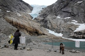 Lars and Karma, observing the glacier